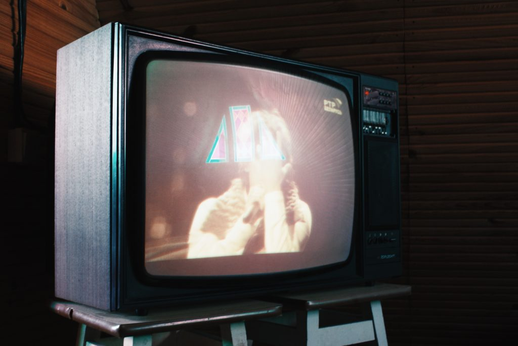 余談:あなたの生活にテレビが必要なのか考えてみよう